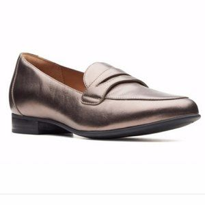 Clarks Unstructured | Pebble Metallic Loafers
